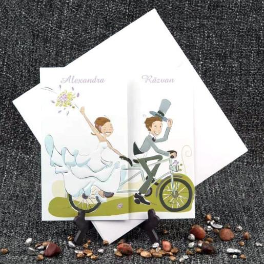 Invitatie de nunta haioasa cu miri pe bicicleta 1049 STYLISH