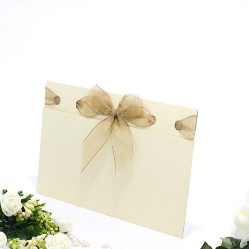 Invitatie de nunta eleganta crem cu fundita aurie 107003 TBZ