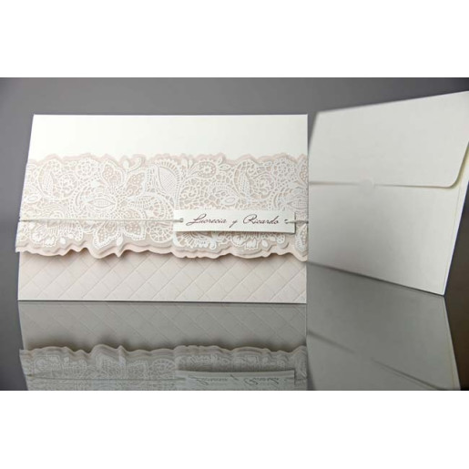 Invitatie eleganta cu dantela si snur 34935 EMMA