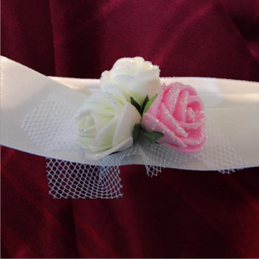 bratara domnisoara de onoare alba cu flori albe si roz 4