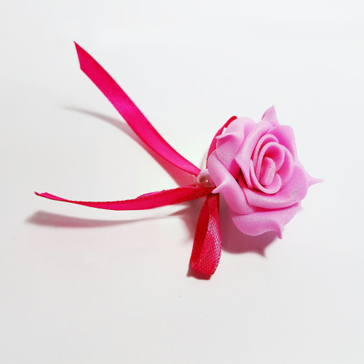 Cocarda cu trandafiri artificiali 01 roz