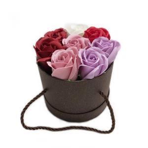 Aranjament Cadou in Cutie cu Flori de Sapun Parfumate DEC136