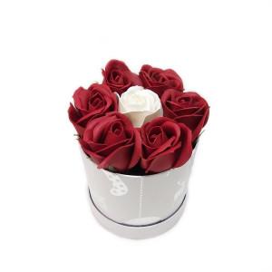 Aranjament Cadou Craciun cu Flori Parfumate de Sapun DEC153