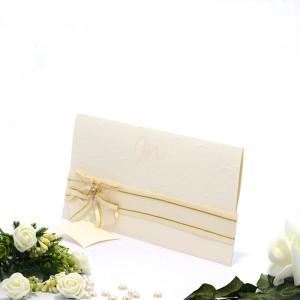 Invitatie de nunta eleganta crem cu fundita si perla 107009 TBZ