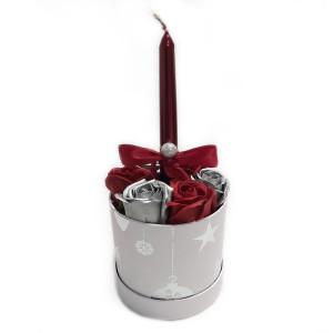 Aranjament Cadou Craciun cu Flori Parfumate de Sapun si Lumanare DEC138