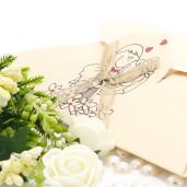 Invitatie de nunta haioasa crem cu fundita 115411 TBZ