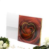 Invitatie de nunta cu trandafir rosu si inimioara aurie 150041 TBZ