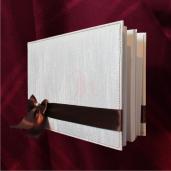 Caiet de amintiri alb cu panglica maro