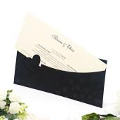 Invitatie de nunta in forma de plic decupat cu inimioare 2101 TBZ