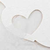 Invitatie de nunta crem cu inima si fundita1065 Polen